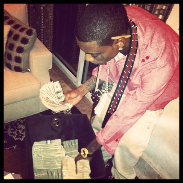 Soulja Boy (@SOULJABOY) Signs $1.8 Million Dollar Deal With Converse, New Shoe Dropping Winter 2011