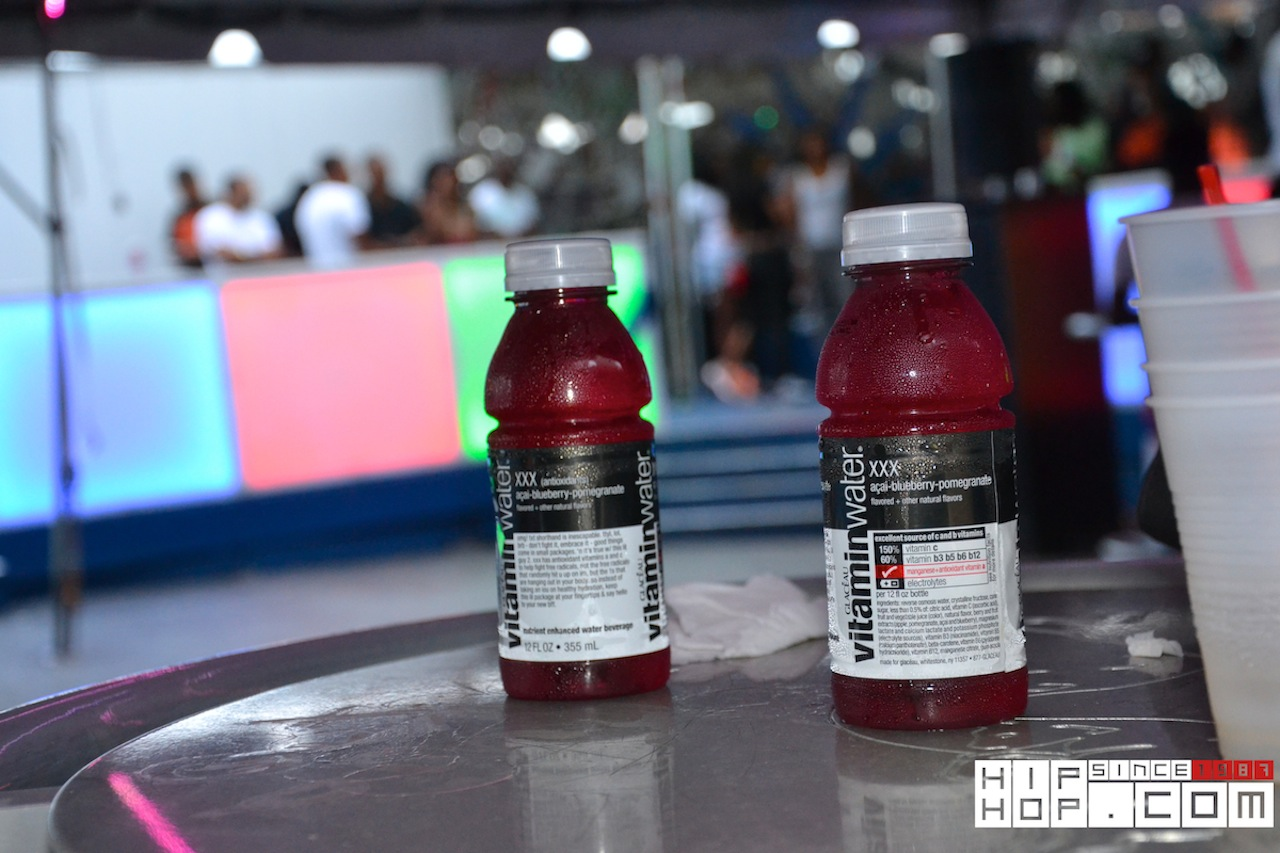 #ShampooDayParty Pics Sponsored by @VitaminWater (via @MsJaeRoche @ttothedot @DTEMIR @Qua55st @EdGetBread)