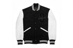 drake-releases-ovo-tour-jacket-with-roots-canada-3