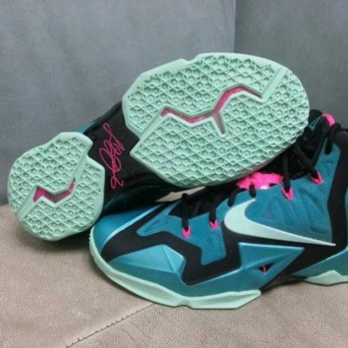 nike lebron 11 south beach 7 500x500 Nike Lebron 11 South Beach (Photos & Release Date)
