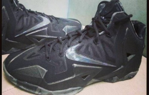 nike-lebron-xi-stealth-photos.jpg