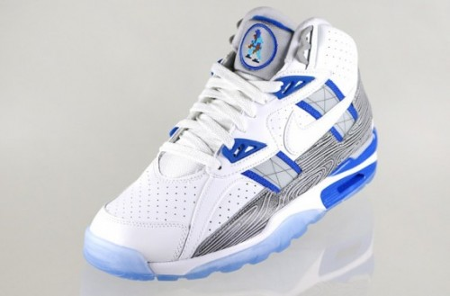 Nike Air Trainer SC Broken Bats Release Date 3 565x372 500x329 Nike Trainer SC High Broken Bats (Photos)