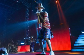 "Pharrell Performs ""Beautiful"", ""Frontin"", ""Happy"" & More at Coachella (Video)"