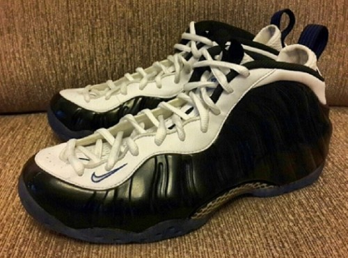 nike air foamposite one black royal white 1 500x371 Nike Air Foamposite One Concords (Photo)