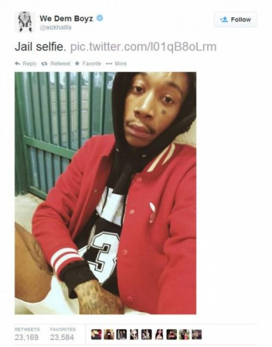 Wiz Tweet 2 392x500 Wiz Khalifa Arrested For Marijuana Possession In Texas