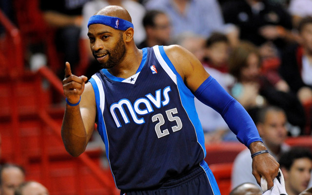 vince-carter-signs-with-memphis-pau-gasol-signs-with-the-chicago-bulls.jpg