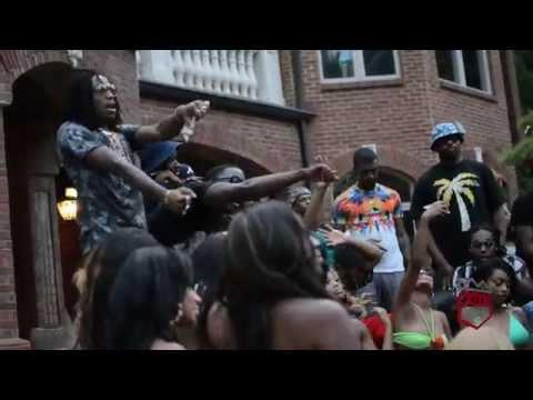 BuhKHgZIYAAa8N9 Johnny Cinco   Backseat Of The Bentley ft. Migos (Behind The Scenes) (Video)