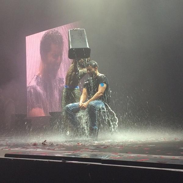 BvSgjYOIgAAC7cd Drake Completes The ALS Ice Bucket Challenge & Nominates Beyonce (Video)