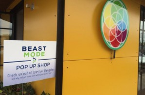 "Marshawn Lynch Opens A ""Beast Mode"" Pop Up Shop At A Juice Bar In Arizona During Super Bowl Week (Photos)"